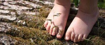 پابرهنه بودن در محیط زیست موجب اصلاح مهارت های حرکتی کودک می شود